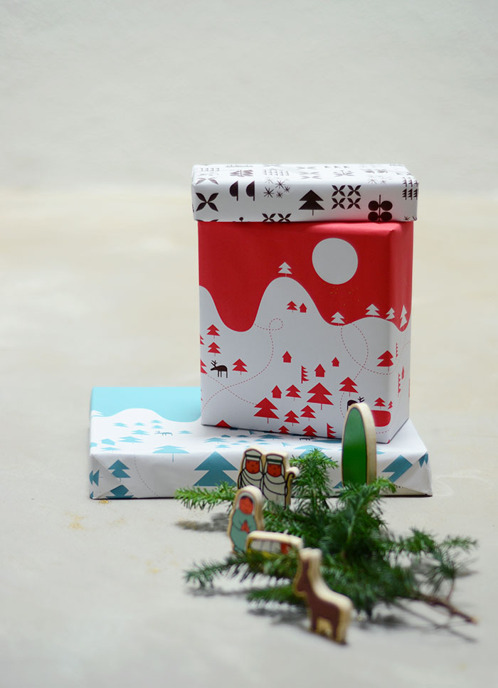 Bloesem Living | Free Download Christmas Wrapping Paper by Jessica Nielsen